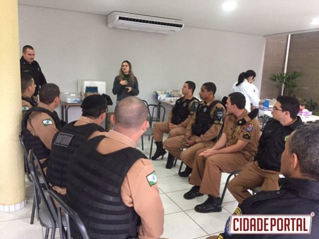 Polícia Militar de Umuarama em parceria com a UNIPAR e com Secretária realiza dia de saúde no batalhão