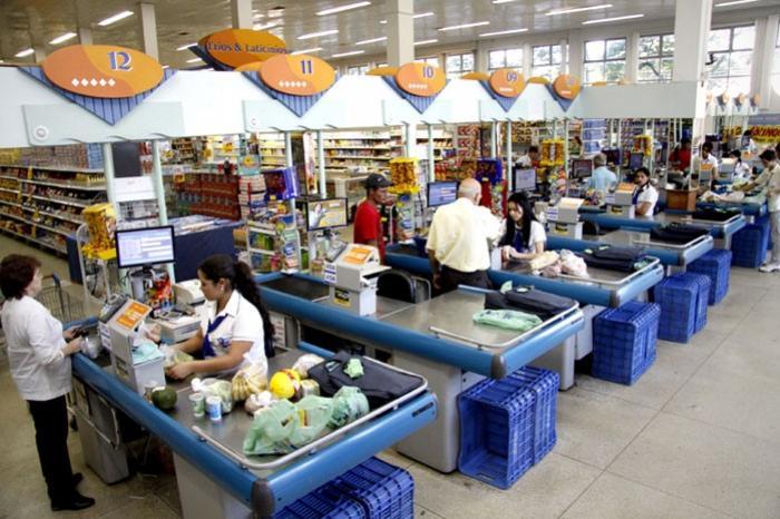 21 de abril: Supermercados abrem na sexta e fecham na segunda, restante do comércio fecha na sexta e abre na segunda-feira