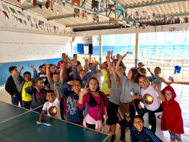 Secretaria de Esportes coordena aulas de Tênis de Mesa no Contra Turno Escolar no Jardim Universitário