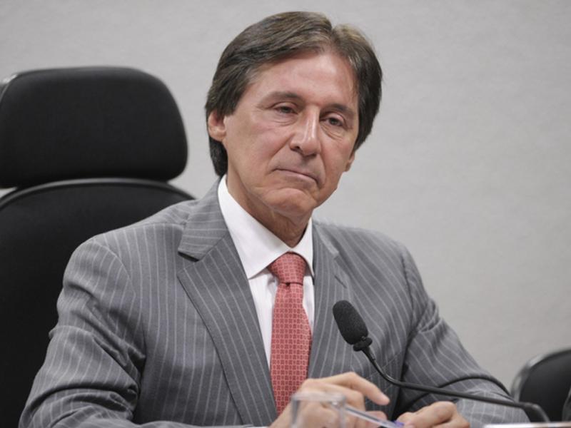 Bancada do PT racha por causa de Eunício na eleição da presidência do Senado