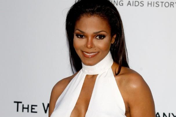 Aos 50 anos, Janet Jackson dá à luz seu primeiro filho