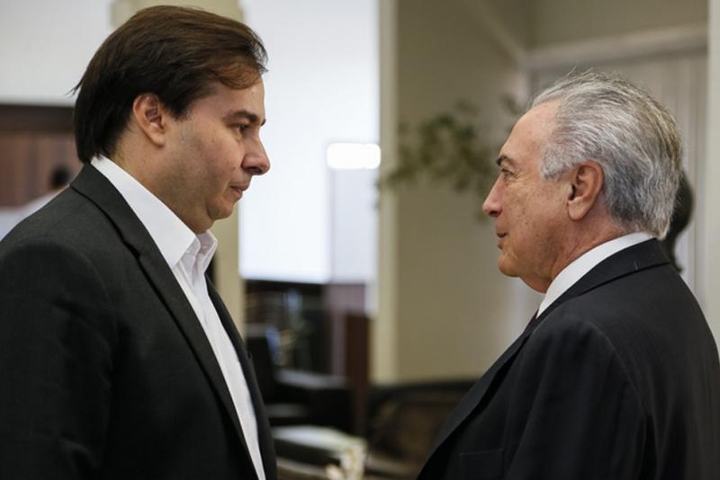 Temer comanda reunião no Planalto com Maia e Moraes para discutir segurança