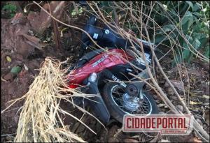 Polícia Militar de Goioerê recupera uma BIZ escondida por galhos e folhas as marges do Arroio Schmidt
