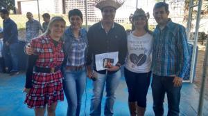 Arraiá do Colégio Antônio Lacerda Braga teve Show com Cléo Barbosa