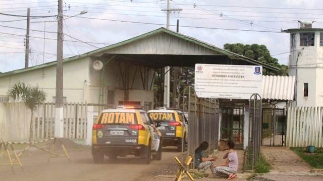 Depen confirma dois mortos e 26 foragidos em penitenciária de Piraquara