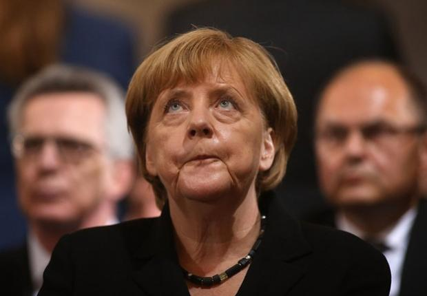 Merkel pede por unidade dos membros da UE após críticas de Trump