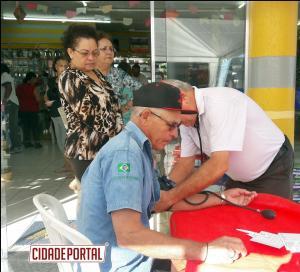 Jornada Solidaria -  Projeto Cuide-se Sempre foi realizado na Farmácia Nova