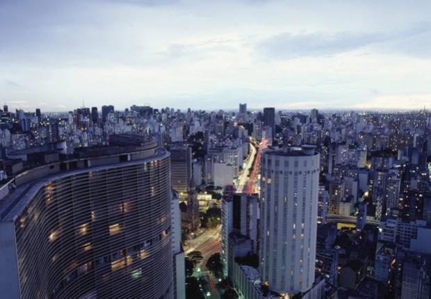Brasil cai na lista de principais destinos globais de investimento