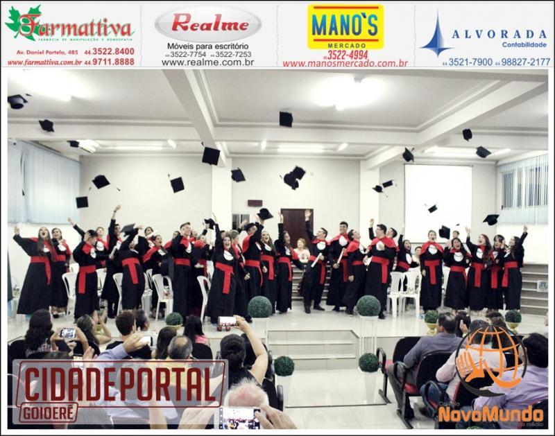 Cerimonia de Colação de Grau do Terceiro Ano do Colégio Novo Mundo foi realizada nesta sexta-feira, 16