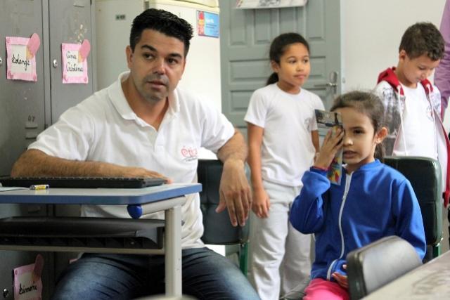 Projeto de parceria da Secretária de Educação e Secretária de Saúde vai detectar problemas de visão em cerca de 3 mil alunos