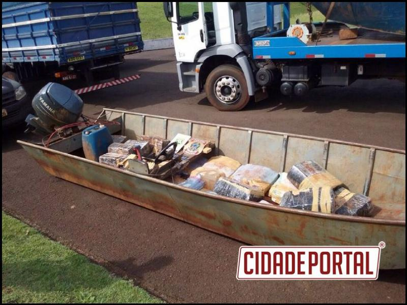 Operação entre Polícia Federal e BPFron apreendem veículos, embarcações e 600 caixas de cigarro e 400 kg de maconha