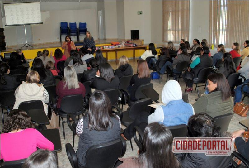 Profissionais dos CMEIs de Goioerê recebem capacitação