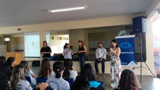 Alunos do Duque participaram de palestra sobre Orientação Profissional com profissionais da Faculdade Integrado de Campo Mourão