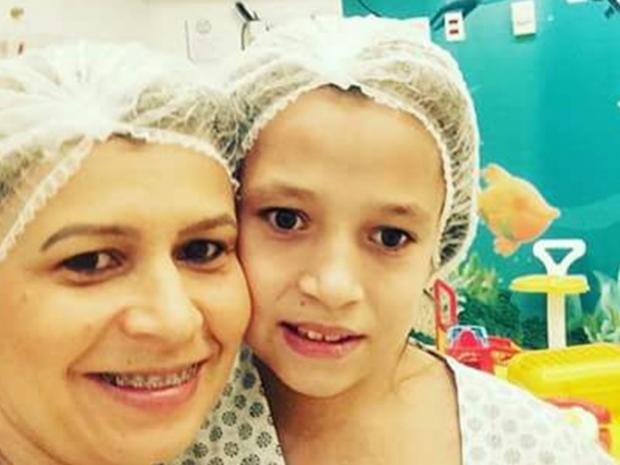 Policiais de Mogi buscam ajuda para filha de PM fazer cirurgia na Inglaterra