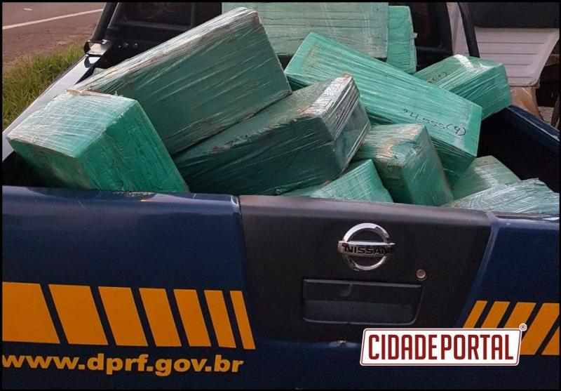 Polícia Rodoviária Federal apreende 474 quilos de maconha em cabine de carreta no Paraná