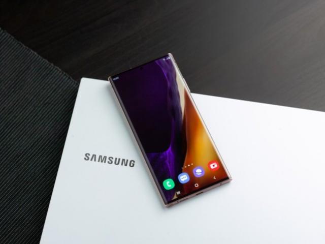 Samsung atualiza celulares Galaxy antigos com recursos do Note 20