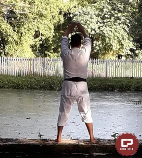Karatê-do Tradicional:  A Tradição Continua - Sensei Jerimoto Gaspar dos Santos