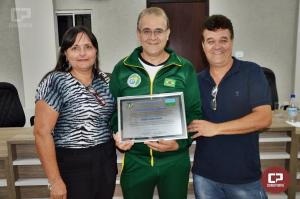 Treinador de Karatê Mario Ronei Bento foi homenageado com Título de Mérito Esportivo
