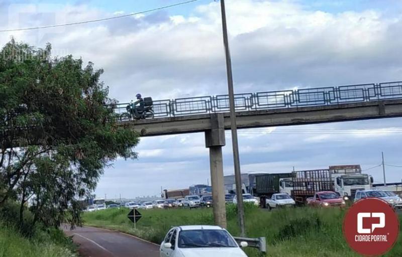 Durante show rural Polícia Rodoviária Estadual de Cascavel flagra veículos cometendo infrações