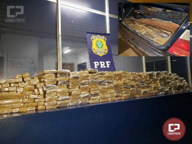 PRF prende casal de argentinos transportando 189 quilos de maconha em fundo falso