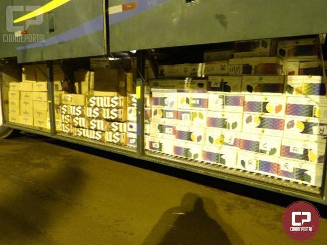 PRE de Santa Helena apreende ônibus com grande quantidade de produtos contrabandeados