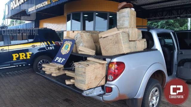 Polícia Rodoviária Federal apreende 467 quilos de maconha em caminhonete roubada