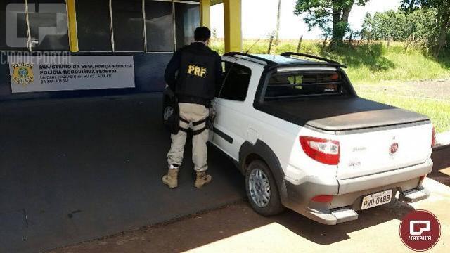 PRF recupera veículo e prende dois por receptação e documento falso em Céu Azul