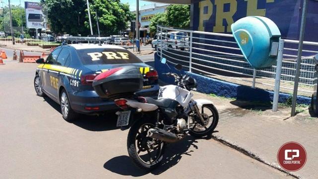 PRF prende paraguaio e recupera motocicleta furtada