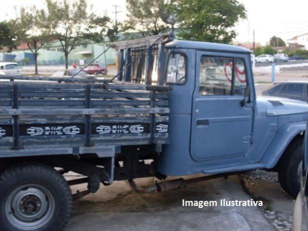 Após denuncias a Polícia Militar de Mariluz recupera veículo furtado na cidade de Juranda
