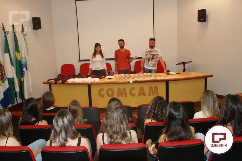Candidatas recebem orientações  para o concurso Rainha da Comcam
