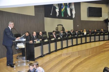 Campo Mourão entrega comenda ao delegado Nagib Palma