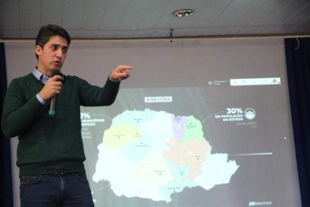 """Comcam reúne lideranças e lança o programa """"Paraná Produtivo"""" em Araruna"""