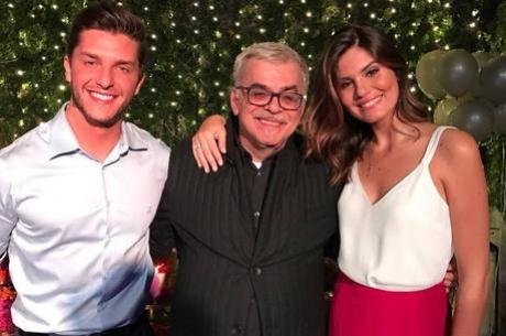 Klebber Toledo e Camila Queiroz estão noivos