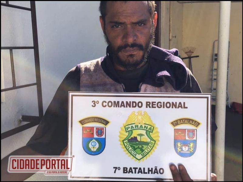 Polícia Militar de Moreira Sales prende uma pessoa suspeita de furtos, com mandado de prisão em aberto