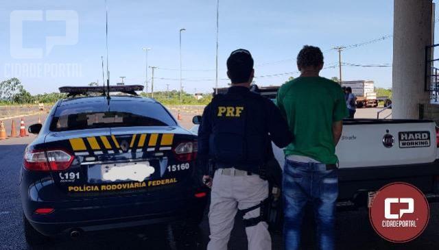 PRF recupera dois veículos e apreende condutores que tentavam levar os ilícitos ao Paraguai