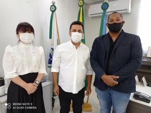 Prefeito Betinho Lima concede reajuste de 5,2% no salário dos servidores públicos municipais