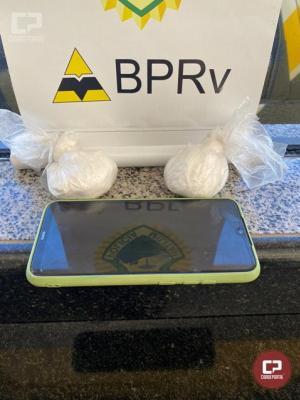 PRE de Cruzeiro do Oeste prende uma pessoa transportando cocaína em veículo