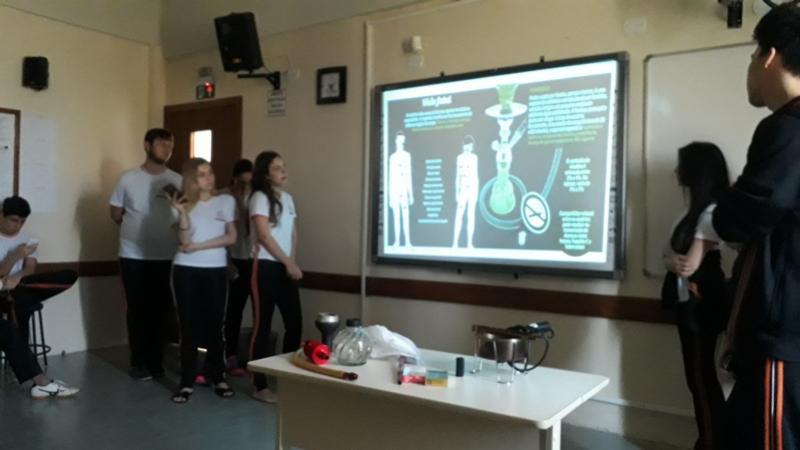 Alunos do 2º ano do Colégio Novo Mundo realizam trabalho sobre os malefícios do Narguilé, Cigarro e a Maconha