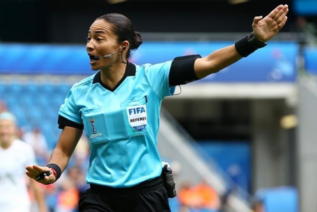 Árbitra goioerense é selecionada para o Mundial de Clubes no Catar
