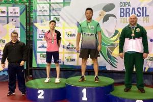 Atleta goioerense conquista dois ouros na Copa Brasil de tênis de mesa