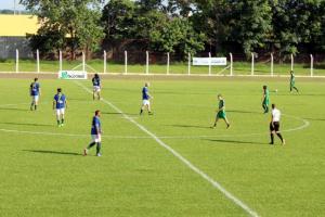 Amistoso de futebol em Goioerê contou com a participação de diversos craques do passado