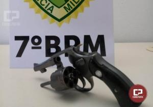 Polícia Militar prende uma pessoa por porte ilegal de arma de fogo durante patrulhamento