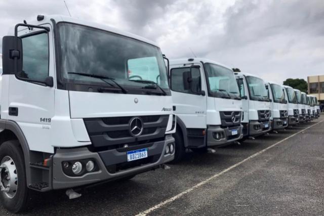 Governo do Estado do Paraná entrega caminhões-pipa para 20 municípios