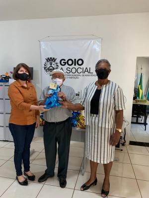 Assistência Social e grupo da terceira idade comemoram dia dos pais