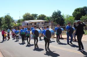 Crianças do CMEI Candeias e Santa Bárbara realizaram desfile cívico