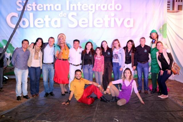 Espaço Sou Arte realizou apresentações na Praça Paulo VI, dezenas de família acompanharam