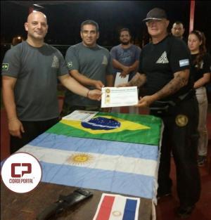 Professor Federico forma uma equipe com dois goioerenses para instrução Policial e Militar na Argentina