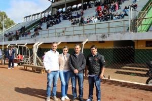 Prefeito Pedro Coelho esteve presente nos Jogos Escolares do Paraná Bom de Bola