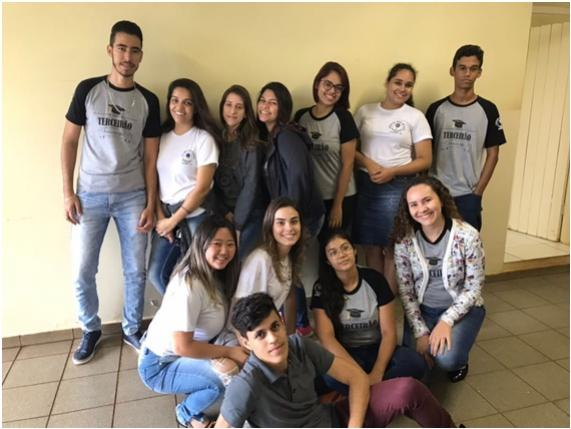 Colégio Estadual Duque de Caxias parabeniza todos os alunos aprovados nos vestibulares em 2017