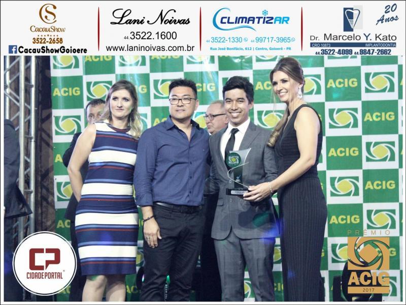 A Clinica de Implantodontia Kato é indicada em duas categorias do prêmio Acig - melhores do ano 2017